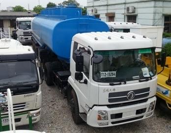 xe sơ mi romooc chở xăng dầu 3 trục, 3 giàn 35m3 dongfeng là sản phẩm xe chở nhiên liệu lớn nhất với khối lượng chuyên chở tối đa cho phép tham gia giao thông