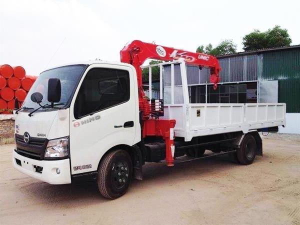 Đang có sẵn Xe tải Hino 4.5 tấn WU432 gắn cẩu Soosan 3 tấn giá rẻ, hỗ trợ vay 80%