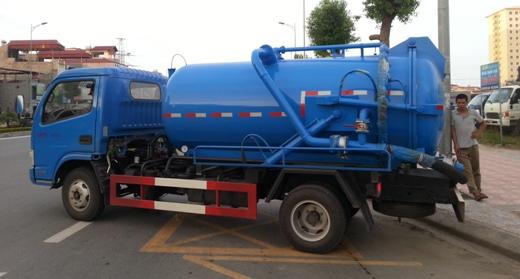 xe hút bùn màu xanh 3m3