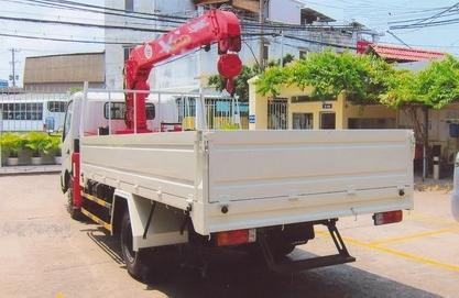 thùng xe tải hino gắn cẩu unic 3 tấn