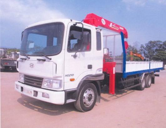 xe tải hyundai hd210 găn cẩu unic 4 tấn
