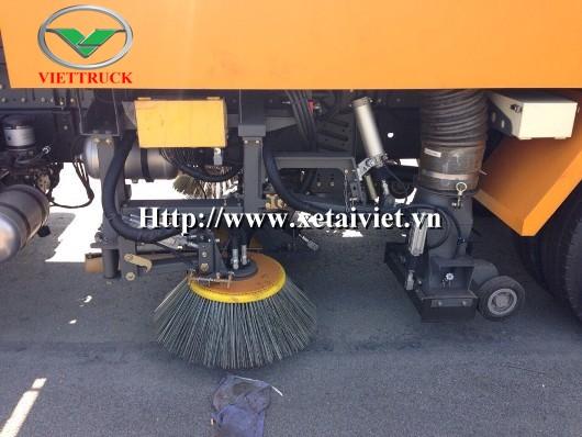 hình ảnh chổi quét rác trên xe hyundai hd170