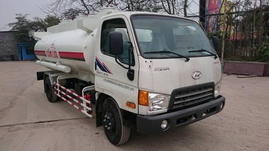 hyundai hd700 đóng téc chở xăng dầu
