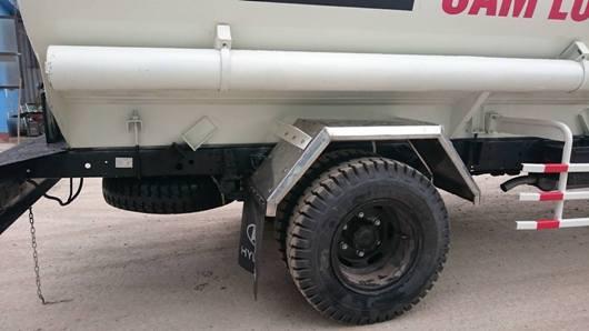 hệ thống đường ống công nghệ, chắn bùn inox téc dầu hyundai hd700