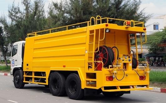 xe thong tac cong hino FM