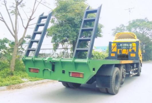 xe 3 chân chở máy công trình cửu long TMT