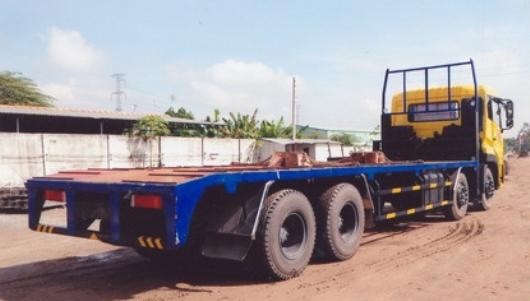 xe chở máy công trình 4 chân dongfeng